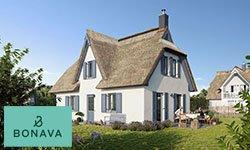 Hoher Komfort: Reetdachhäuser am Schlosspark
