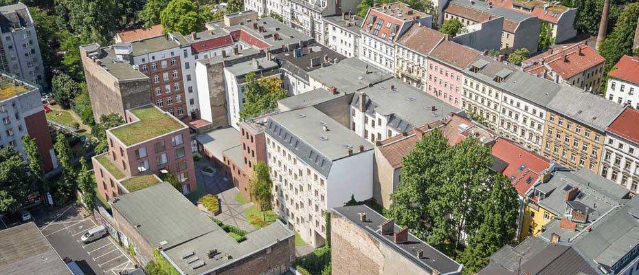 Oben ankommen zwischen Görli und Landwehrkanal: Lausitzer Quartier - Neubau von 6 Dachgeschosswohnungen